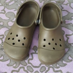 Authentic Crocs olive brown size small M4/5 W6/7